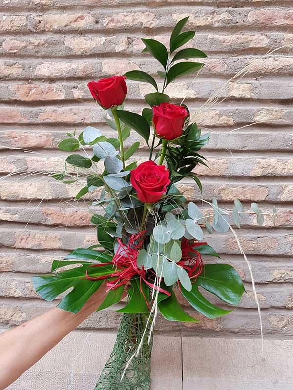 3-rosas-rojas-Mayula-flores